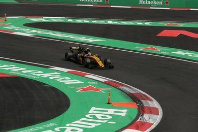 """Sainz: """"Tras las dos primeras vueltas he notado algo raro en el coche"""""""