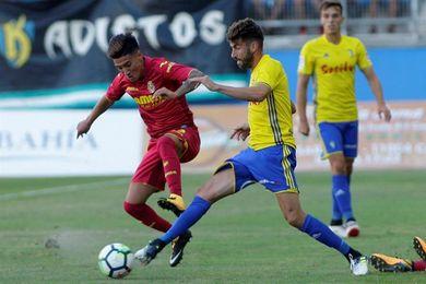 El Villarreal confirma la lesión de rodilla del argentino Leo Suárez