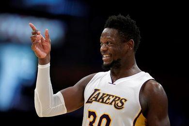 113-93. Randle lidera a los Lakers, que superan a los Pistons