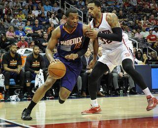 114-122. Booker anota 30 y los Suns logran primer triunfo como visitantes