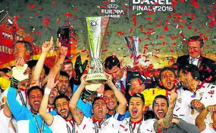 El Sevilla es sexto en el ranking UEFA, entre otras cosas, por ganar tres Europa League seguidas.
