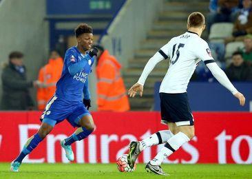 Demarai Gray renueva su contrato con el Leicester hasta el año 2021
