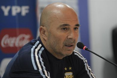 Sampaoli cita a Perotti y Belluschi para los amistosos y excluye a Higuaín