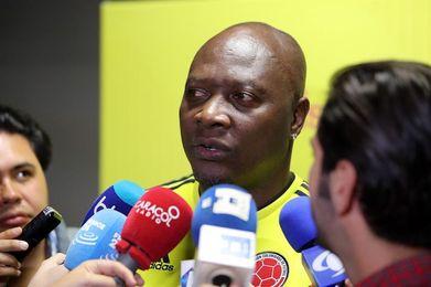 Astros colombianos de los 90 lucen la tricolor que los homenajeará en Rusia