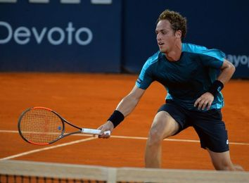 El español Carballes Baena avanza en su primera presentación en el Uruguay Open