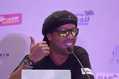 Ronaldinho celebra su regreso a Querétaro, donde dice haber sido feliz