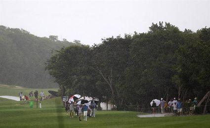 Suspenden por lluvia la segunda jornada del Clásico de Mayakoba