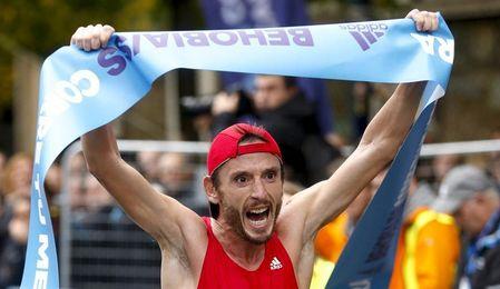 Carles Castillejo se adjudica su tercera Behobia-San Sebastián consecutiva