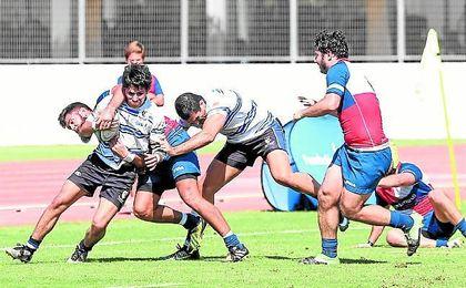 Lance del encuentro disputado la pasada semana frente al Granada.