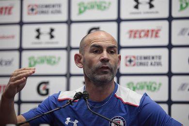 El español Paco Jémez inicia mañana una semana crucial para él en el fútbol de México