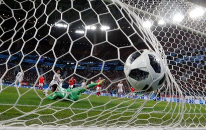 España paga su relajación con un empate ante Rusia