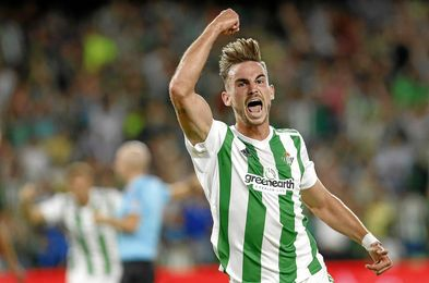 Fabián celebra un gol con la elástica verdiblanca.