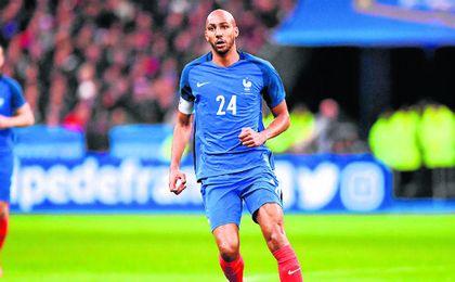 Nzonzi, durante su debut con Francia.