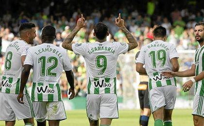 Sanabria celebra un gol en el partido ante el Alavés.