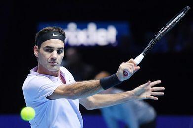 Federer, invicto, buscará ante Goffin su décima final en el Masters