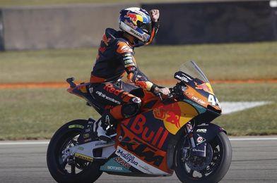 Oliveira en Moto2 y Mir en Moto3 marcaron los mejores tiempos en Jerez