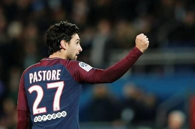 Cavani lidera la goleada del Paris Saint Germain, que amplía su ventaja