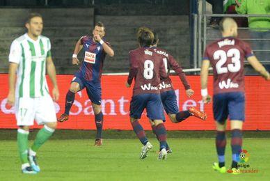 Quique Setién, el técnico más goleado de 2017