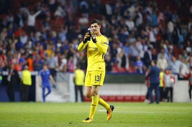 Courtois aplaza su renovación con el Chelsesa hasta final de temporada