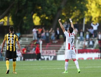 2-1. Peñarol cae ante River y desperdicia el chance de ser campeón anticipado del fútbol en Uruguay