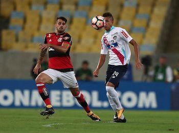 2-1. Con goles de Juan y Vizeu, Flamengo salva los muebles ante Junior