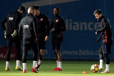 Ovación a Messi por su renovación en la última sesión antes de Mestalla