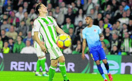 Guardado buscó el gol hasta encontrarlo