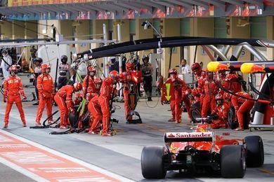 """Vettel: """"Me fastidia decirlo, pero Lewis fue mejor y lo felicito"""""""