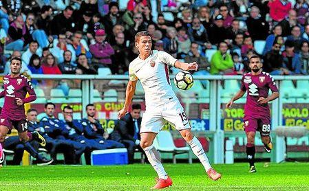 El zaguero mexicano apenas acumula 227 minutos esta campaña con la camiseta de la Roma.