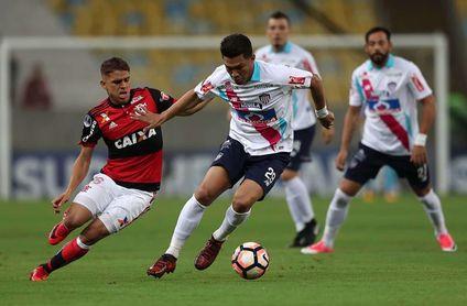 Junior recibe a Flamengo para remontar y jugar su primera final continental