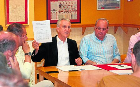"""Arenas: """"¿Vender acciones del Sevilla? Cada vez valen más"""""""