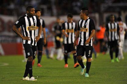 Alianza Lima acaricia su primer título nacional en once años