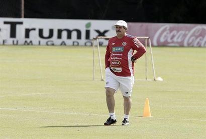 """Óscar Ramírez: """"A los costarricenses nos gustan los retos altos"""""""