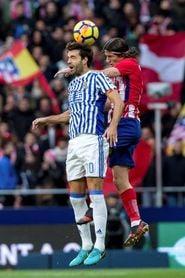 Gol de penalti de Willian José da el triunfo a la Real en el descanso (0-1)