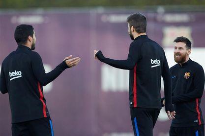 Piqué regresa a la titularidad tras cumplir la sanción en Mestalla