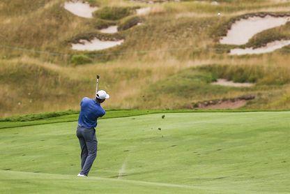 Fowler se exhibe con un 61 para ganar en Bahamas; Tiger Woods regresa con -8