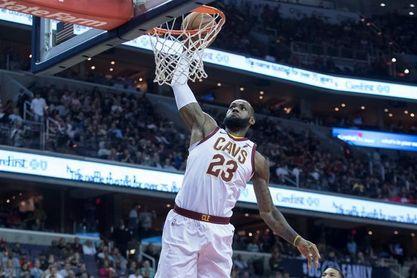 """James vuelve a ser el """"King"""", mientras los Celtics, los Sixers y los Bucks triunfan"""