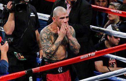 Miguel Cotto se ve sorprendido por Sadam Ali y pierde título en despedida