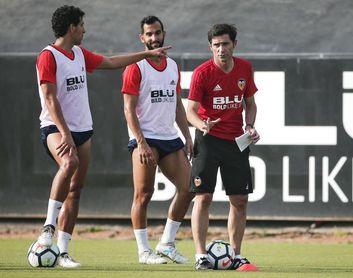 El Valencia volvió al trabajo sin Garay, Murillo y Guedes