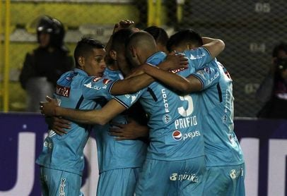 El Bolívar, a un punto del campeonato tras empatar en el clásico boliviano