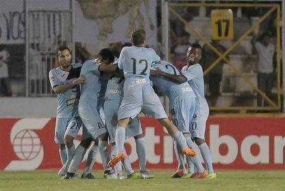 Alianza y Santa Tecla pasan a la tercera final consecutiva en el fútbol salvadoreño