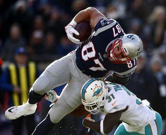 27-20.- Cutlers gana duelo a Brady y Dolphins pueden con Patriots