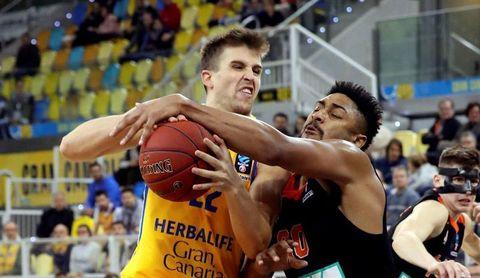 97-84. Gran Canaria sufre hasta el final ante Ulm para ganar y seguir líder