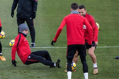 El recuperado Griezmann y Gameiro, posible ataque del Atlético ante el Alavés