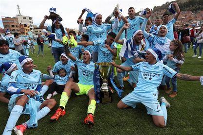 Bolívar celebra el título pese a despedir con una derrota el Clausura