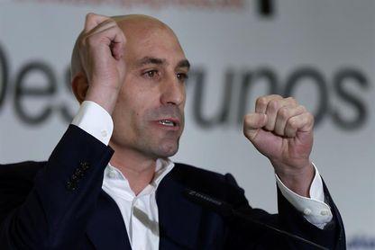 El candidato a la presidencia de la Federación Española enviará un informe a la FIFA