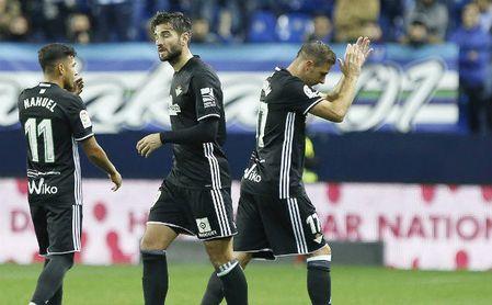 El récord de Joaquín y la felicitación de Casillas