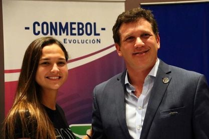 La venezolana Deyna Castellanos es elegida embajadora del fútbol suramericano