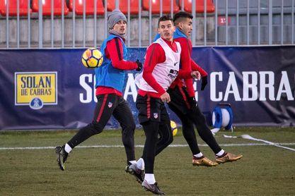 El Atlético se entrena por grupos a dos días de visitar al Espanyol