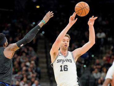 91-93. Aldridge y Gasol lideran el triunfo de los Spurs